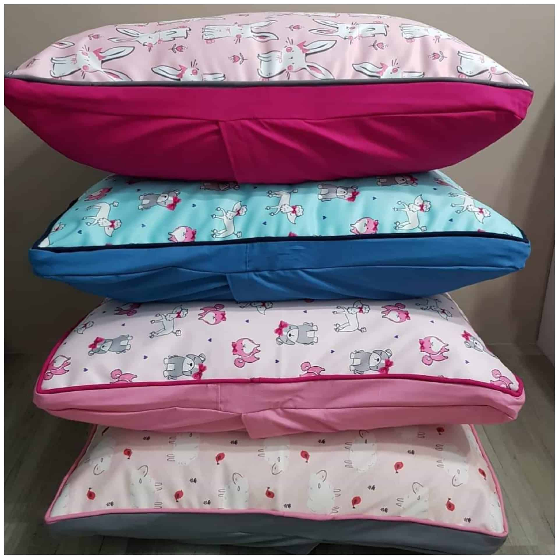 Deluxe Pet Bed - 80x70x15cm (Anti Dust Mite) - Happy Products